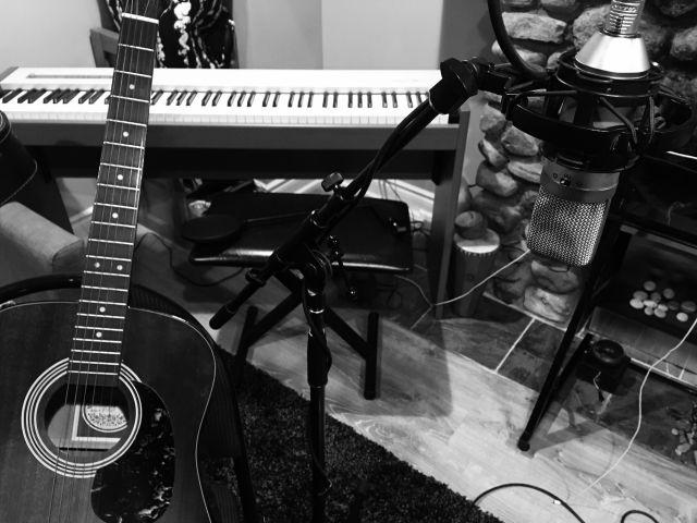 recordingpicguitandKeys